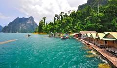Огромный парк-заповедник Као Сок, который охватывает один из самых крупнейших таиландских лесов