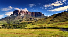 А Вы знали? На стыке Бразилии, Венесуэлы и Гайаны возвышается гора Рорайма, ведущая к облакам!