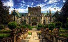 А Вы знали, что Замок Хэтли, прекрасное наследие Канады, привлекает множество режиссеров и художников?