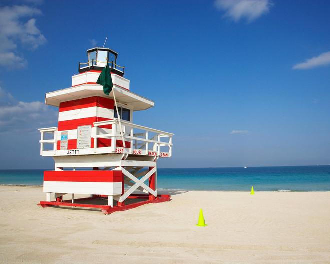 На пляжах Дубая спасать утопающих будут роботы