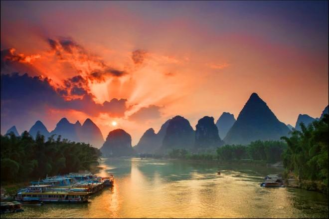 А Вы знали, что в автономном районе Гуанси-Чжуанском разливается одна из самых живописных рек Китая?