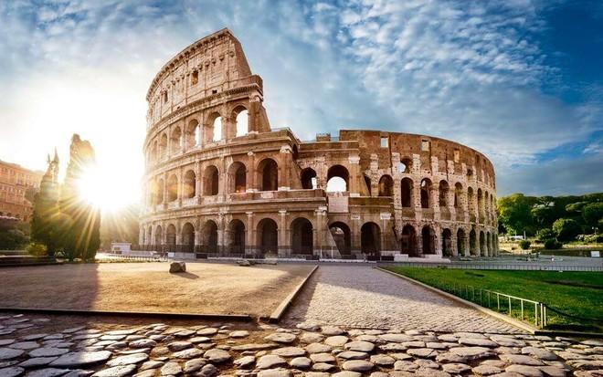 А Вы знали, что Колизей в Риме по проекту архитектора Квинтия Атерия возводился на протяжении 8 лет днем и ночью адским трудом рабов?